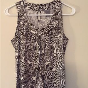 Brown/white patterned tank